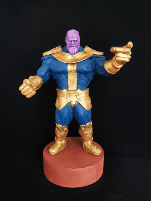 Thanos Figur_Erstellt aus Polymer Clay und mit Acrylfarben bemalt
